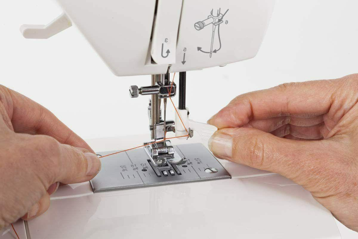 Singer Fashion Mate 5560 Sewing with 100 Built-In Stitches