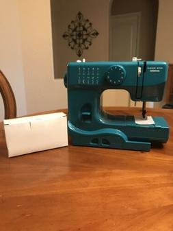 New Home Janome Marine Portable Sewing Machine Model 525B